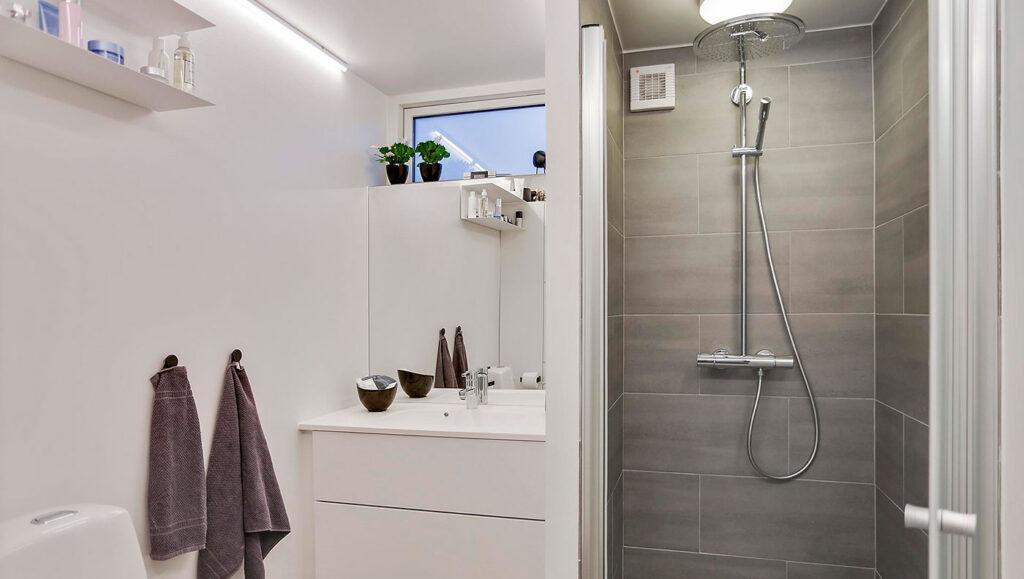 Nyt badeværelse, renoveret af Murermester Jørgen Madsen Kalundborg
